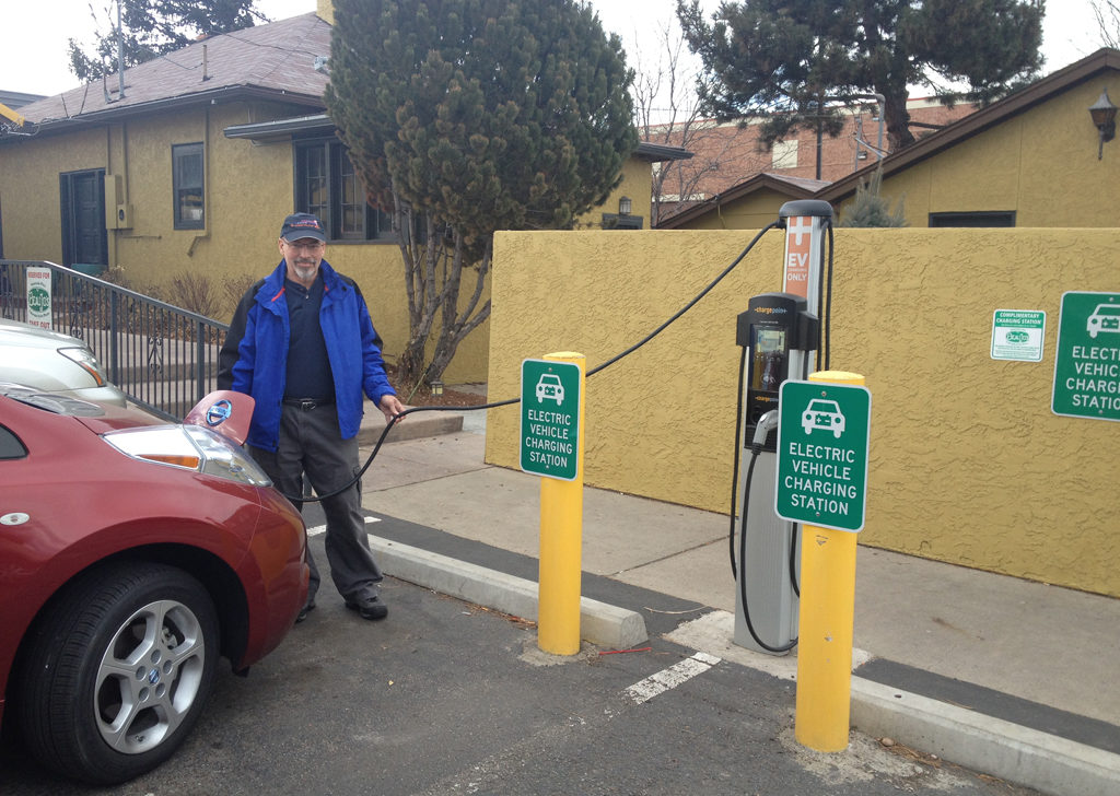Leaf_Post_March_2015_BeauJos_charging
