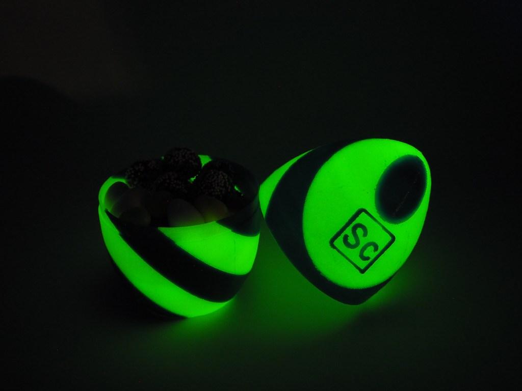 Easter_egg_glow-in-dark